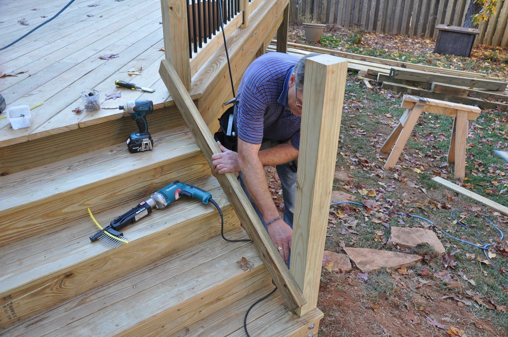 how to build deck stair