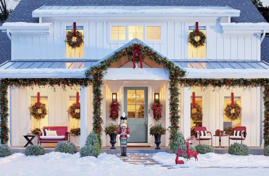 Outdoor Christmas Decorating Ideas for Front Porch