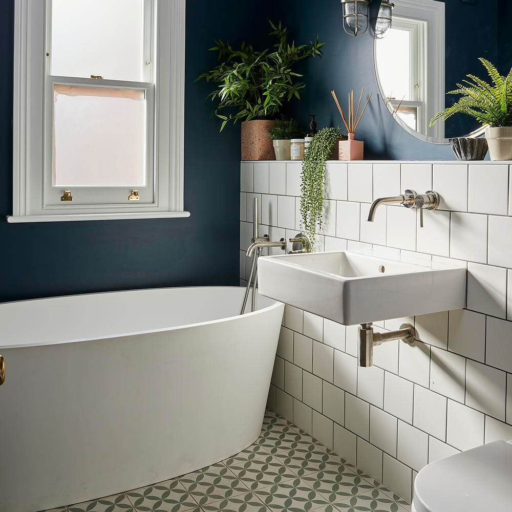 11 Small Bathroom Tile Ideas That'll Liven Up Your ...