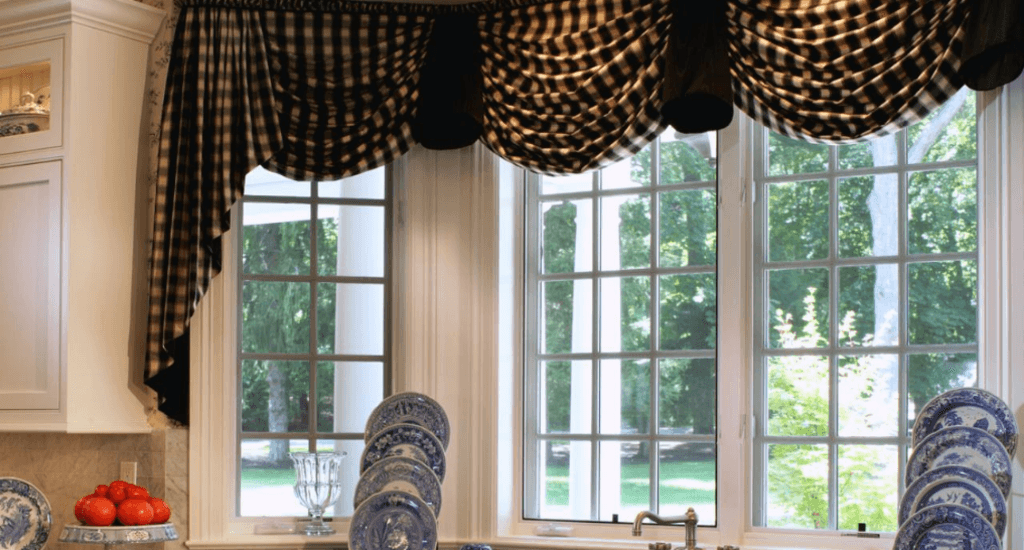 different types of curtains: Cafe Curtains/ Tiers